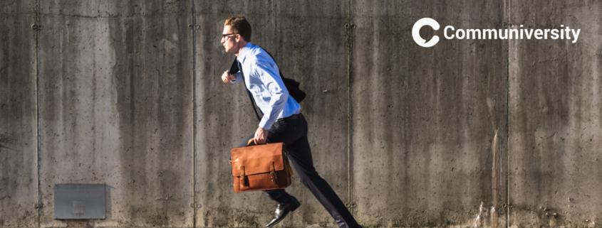 Geschäftsmann rennt